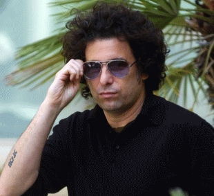 Andres Calamaro filmó en la Casa Rosada junto a un funcionario nacional.
