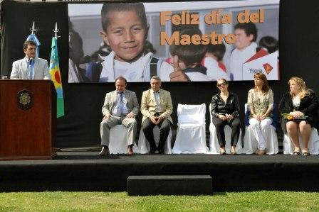 Gran festejo por el Día del Maestro en Tigre