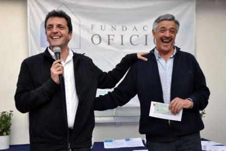 El Intendente de Tigre, Sergio Massa, participó de la entrega de diplomas a vecinos que fueron capacitados en la Fundación Oficios de Benavídez.