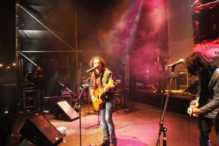 El Festival tuvo su broche de oro con la presentación de Javier Calamaro y su banda