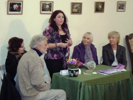 Valeria Dalla Torre, presentó 360 meses su primer libro
