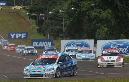 Pernia consiguió en Oberá una victoria crucial en sus aspiraciones de llegar al título del TC 2000