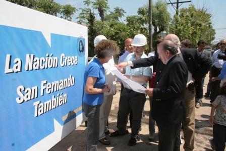 El Intendente de San Fernando, Osvaldo Amieiro, visitó la obra para la red de cloacas que llevará ese servicio al Barrio Villa Adalguiza