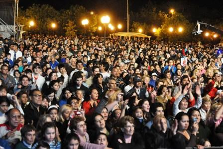 Más de 10 mil vecinos de Troncos participaron de la fiesta del 60 aniversario