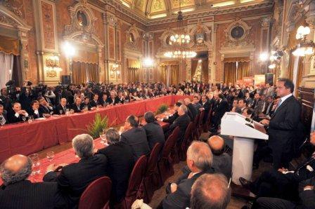 Scioli e intendentes expresaron agradecimiento a Kirchner y su compromiso con la Presidenta