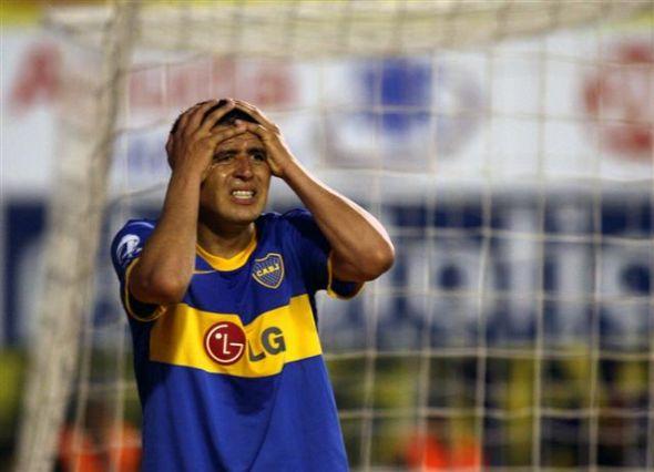 La vuelta de Riquelme no le alcanzó a Boca y Argentinos lo aprovechó