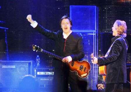Paul McCartney hizo vibrar a 45 mil fans con un show intenso, nostálgico y emotivo