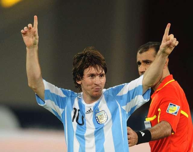 Un golazo de Messi en tiempo de descuento le dio la victoria a Argentina ante Brasil