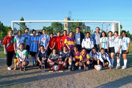 Arrancó el Fútbol Femenino en el Polideportivo Central