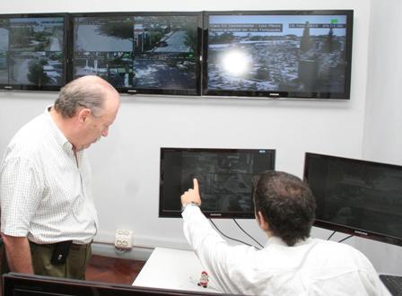 Amieiro recorrió las instalaciones del nuevo centro de monitoreo de San Fernando