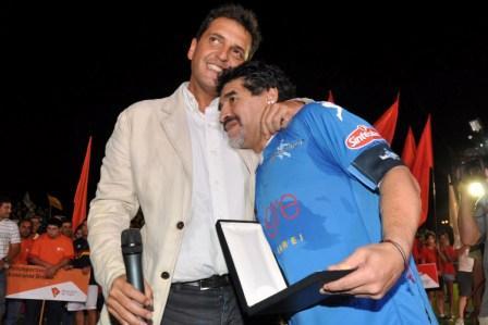 Maradona y Massa lanzaron las colonias de verano 2011 ante más de 10.000 personas