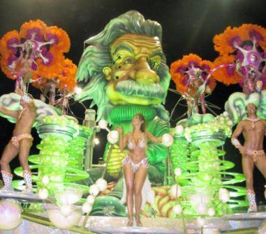 Más de 23 mil personas participaron de apertura del carnaval de Gualeguaychú