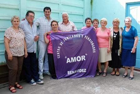 El Secretario de Promoci�n Comunitaria, Daniel Gambino, visit� el centro de jubilados y pensionados �Amor� de la ciudad de Benav�dez