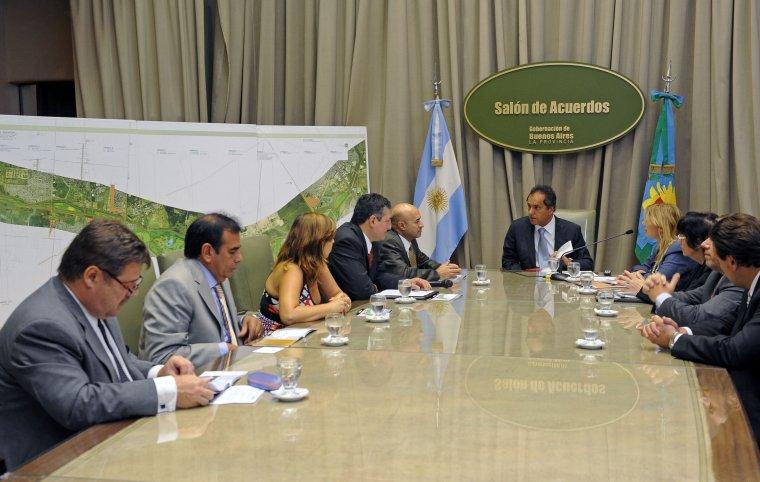 Scioli firmó un convenio con el BID  para mejorar condiciones ambientales de la Cuenca del Río Reconquista