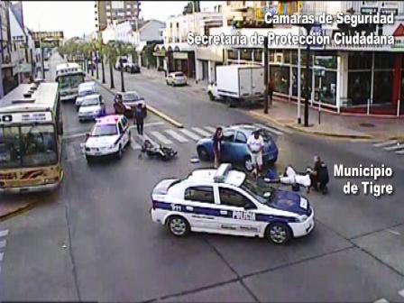 Tigre: imprudencia y choque registrado por las cámaras