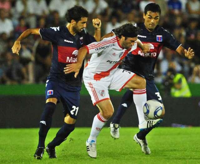Tigre y River mostraron sus carencias y le dieron forma a un aburrido 0-0 en Victoria