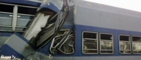Al menos tres muertos y cincuenta heridos tras chocar dos trenes en San Miguel