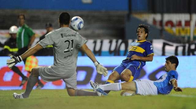 Boca logró ante Racing un triunfo vital en un clásico mal jugado