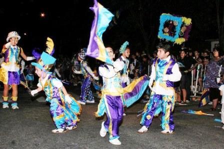 Miles de personas disfrutaron de todo el color y el ritmo en el VII° desfile de murgas