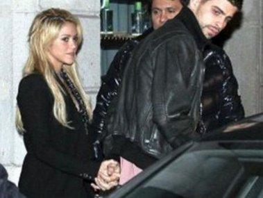 Shakira y Piqué fueron fotografiados de la mano