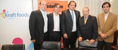 El Ministro de la producción Bonaerense visitó junto al Intendente Osvaldo Amieiro las instalaciones de Kraft Foods en la localidad de Victoria