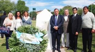 Monumento a la fundadora de Madres de Plaza de Mayo en Pilar