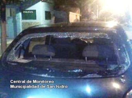 Como quedó el vehículo robado y arma secuestrada al malviviente