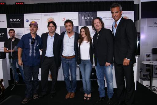 Soledad, Johansen y Mateos participaron en lanzamiento de disco a beneficio de Japón