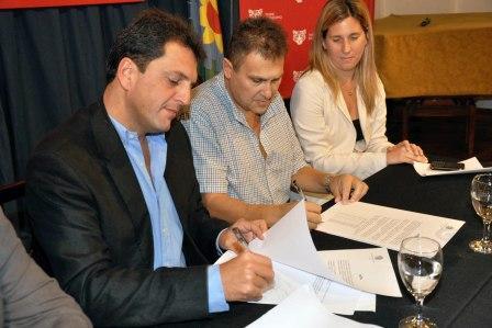 Massa y Cabral firman el aumento