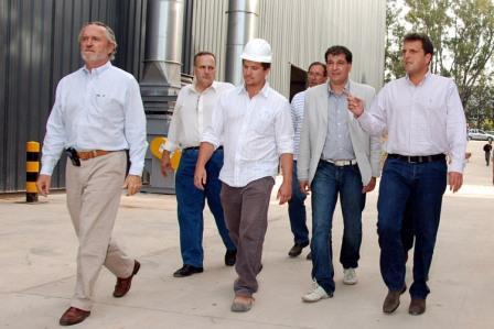 El Intendete de Tigre Sergio Massa visitó la fábrica de Cabelma