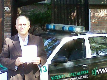 Parodi cuestionó el funcionamiento del laboratorio de la Policía Científica junto con vecinos de Malaver y Madero