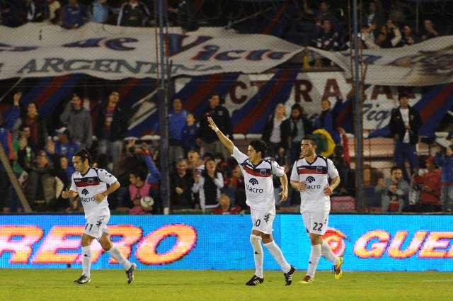 Tigre goleó a Colón en Victoria y sumó puntos valiosos para el promedio