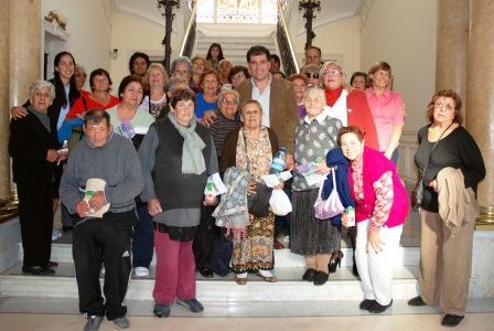 Los abuelos de Tigre visitan el Museo de Arte