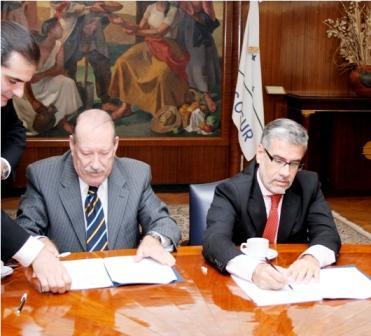 El Intendente de San Fernando, Osvaldo Amieiro, y el Viceministro de Economía y Finanzas Públicas de la Nación, Roberto Feletti