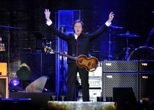 Paul McCartney dice que Miley Cyrus y Justin Bieber generan la misma euforia que los Beatles
