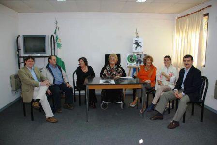 La Dra. Antonini, al momento de formular el anuncio, junto a representantes de otras entidades