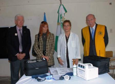 los Club de Leones donaron equipamiento al hospital Materno Infantil
