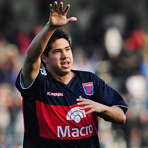 """Batista arma la selección local con el volante de Tigre """"cachete ..."""