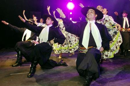 Ballet en el 135 aniversario de Pacheco