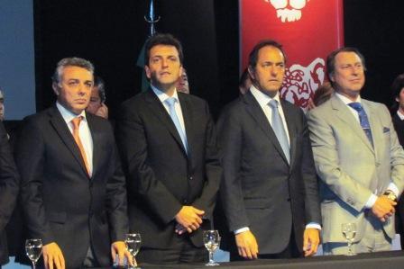 Scioli y Massa comparten un acto en Tigre