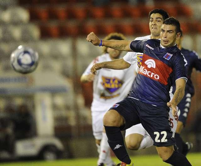Tigre perdió mucho más que tres puntos frente a Huracán (Stracualurci)