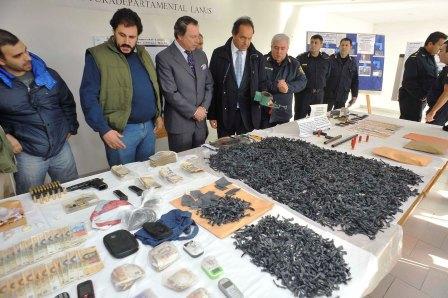 """Scioli calificó como """"histórico golpe al narcotráfico"""" el secuestro de 12 mil dosis de paco"""