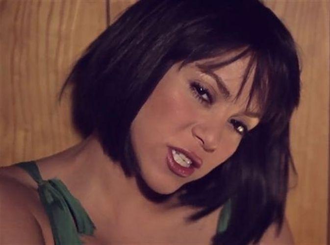 Shakira estrenó video y se animó a bailar en el caño