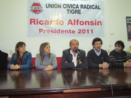 el Intendente de San Isidro Gustavo Posse y la  Diputada Provincial Cecilia Moreau brindaron su apoyo a la actual conducción de la UCR de Tigre
