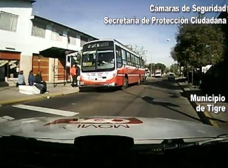 Tigre: Descontrolado en colectivo es atrapado por botón de pánico