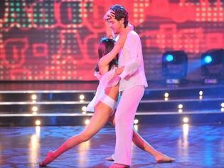 Bailando 2011: seducción y lágrimas en la apertura del adagio