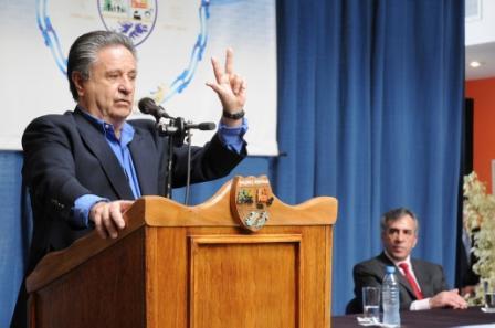 Duhalde y Cariglino encabezaron acto en Malvinas Argentinas