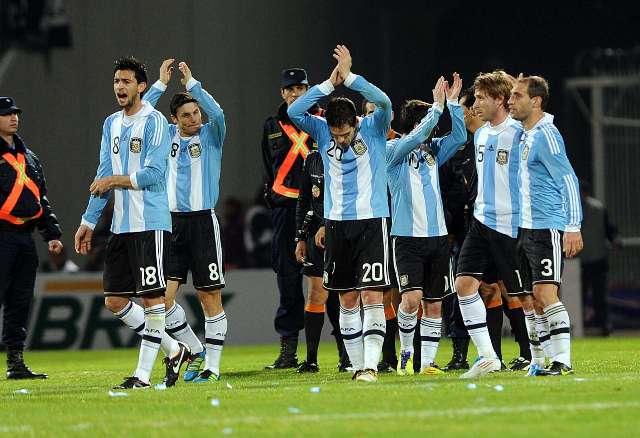Agüero, por sus goles, y Messi fueron las figuras de Argentina en la goleada ante Costa Rica