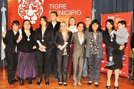 Egresó la primera promoción de enfermeras de la escuela de Enfermería del municipio de Tigre