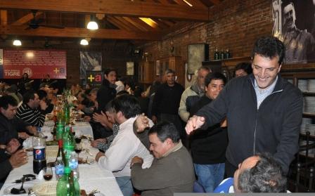 Massa recibió un masivo apoyo de los trabajadores